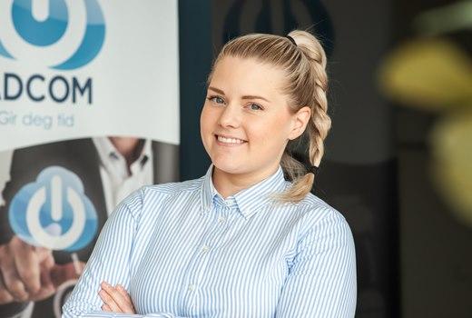 Trainee og gledesspreder <br> Camilla Husby Ludviksen